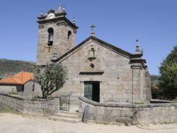 Igreja Matriz Castro Laboreiro - Hotel Castrum Villae - Walk Hotels